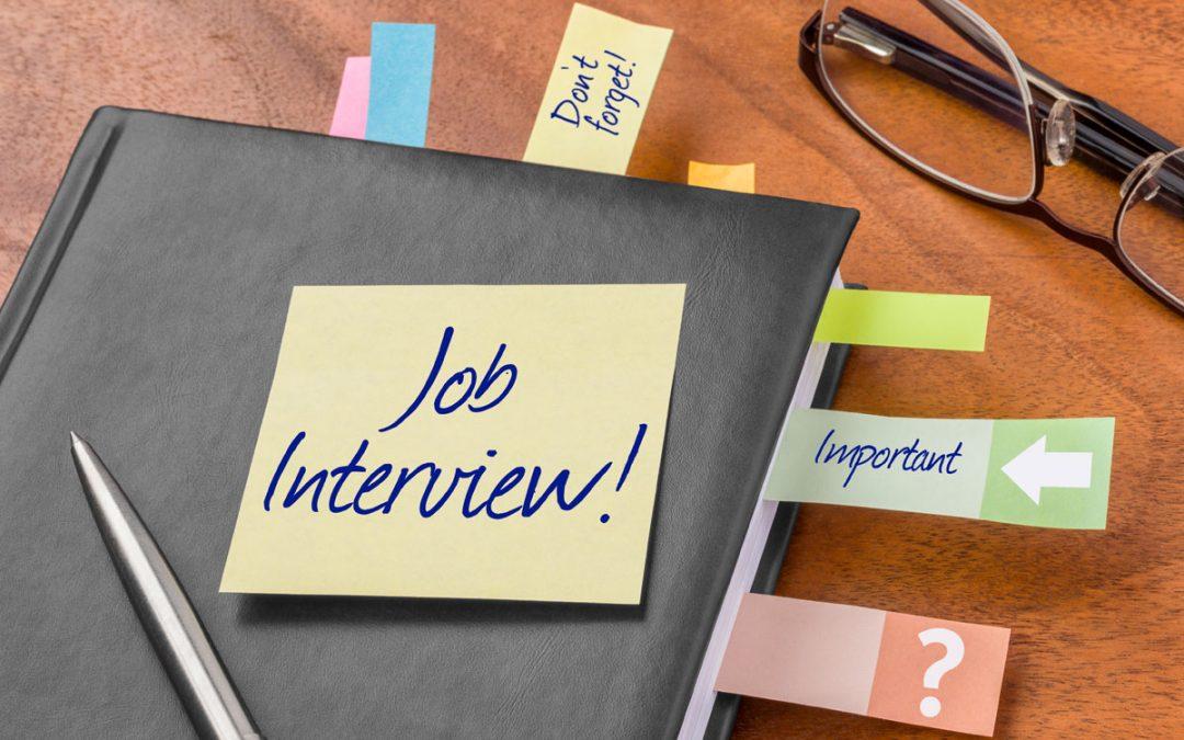 Rozmowa o pracę po angielsku. Zobacz jakie pytania na Ciebie czekają, i jak pokonać stres.